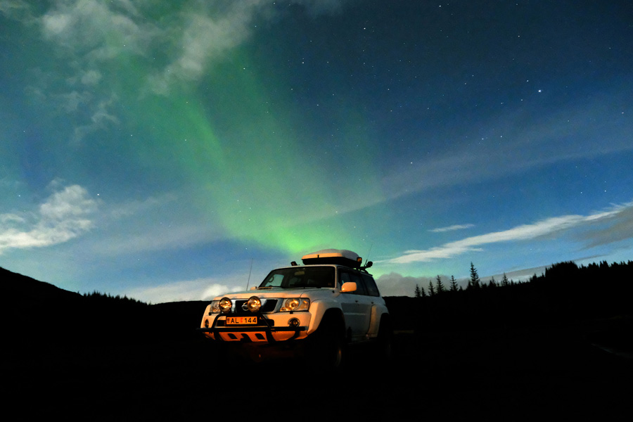 Chasing Northern Lights Iceland, Corporate Expedition - Night lights and SUV