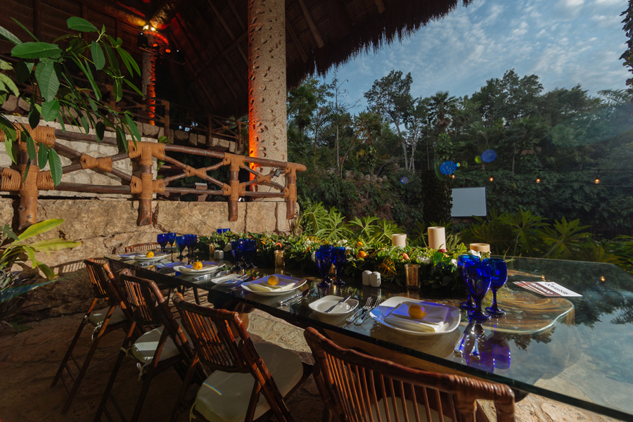 Corporate Events and Meetings - Restaurant in front of the jungle