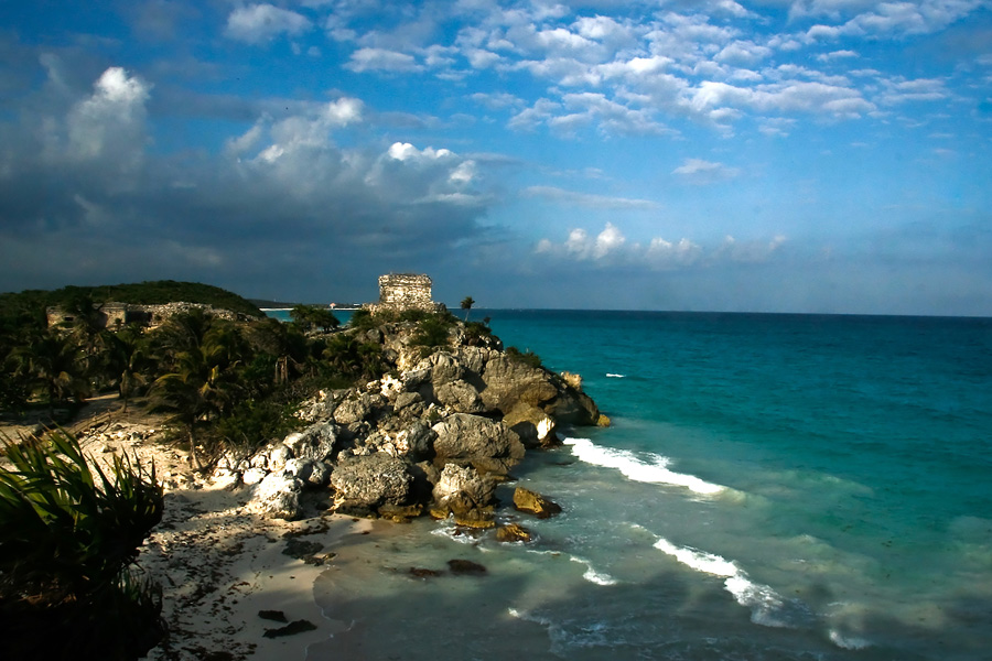 Culture and Wildlife in the Mayan Riviera - Ruin in the coast next to the sea