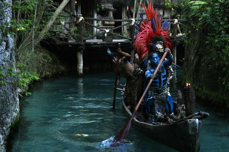 Culture and Wildlife in the Mayan Riviera - Mayan warriors painted and sailing