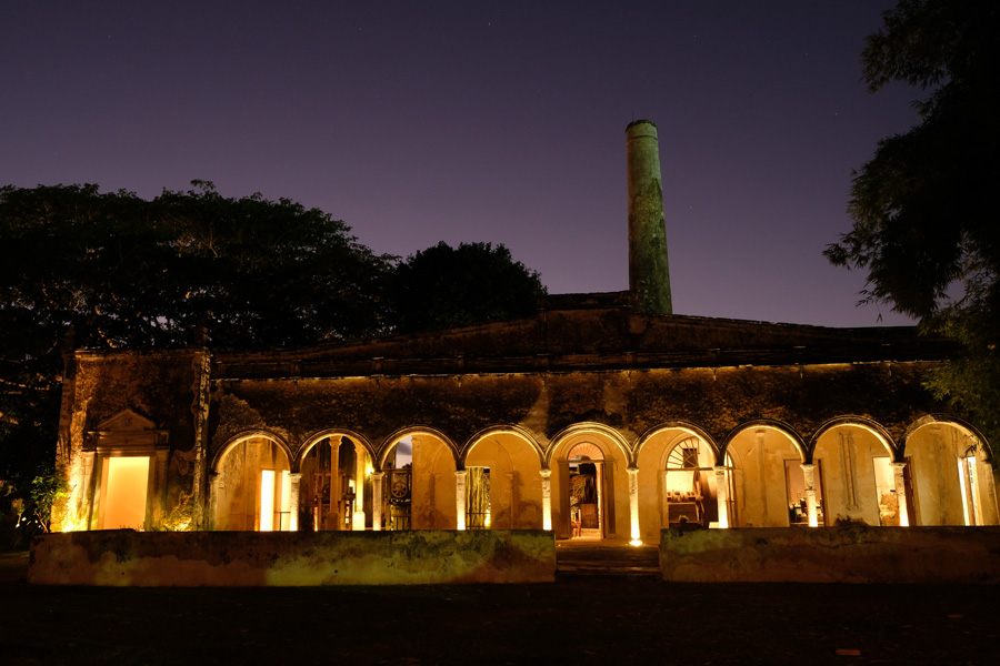 Nat Geo Expeditions Descubre Secretos Mayas - Hotel at night