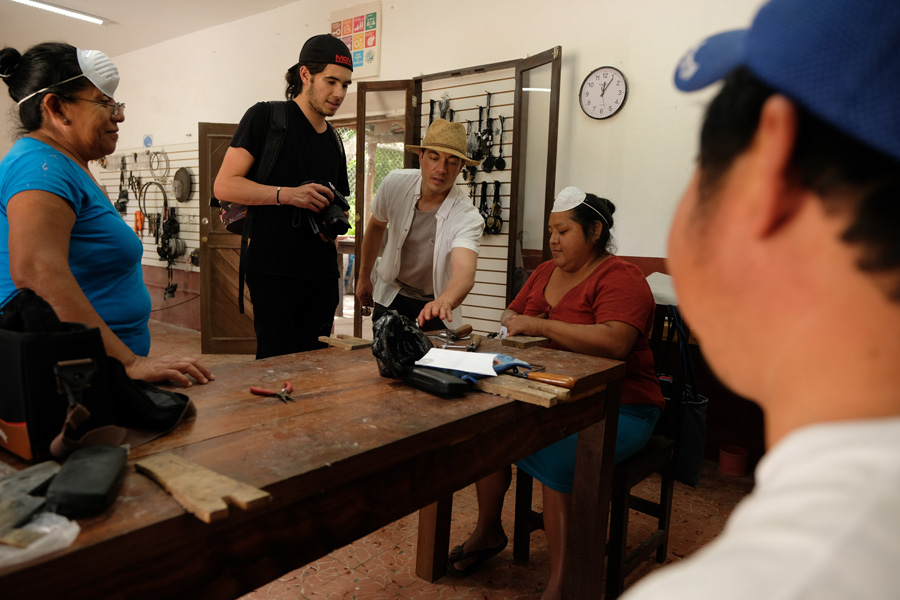 Nat Geo Expeditions Descubre Secretos Mayas - Learning from the locals
