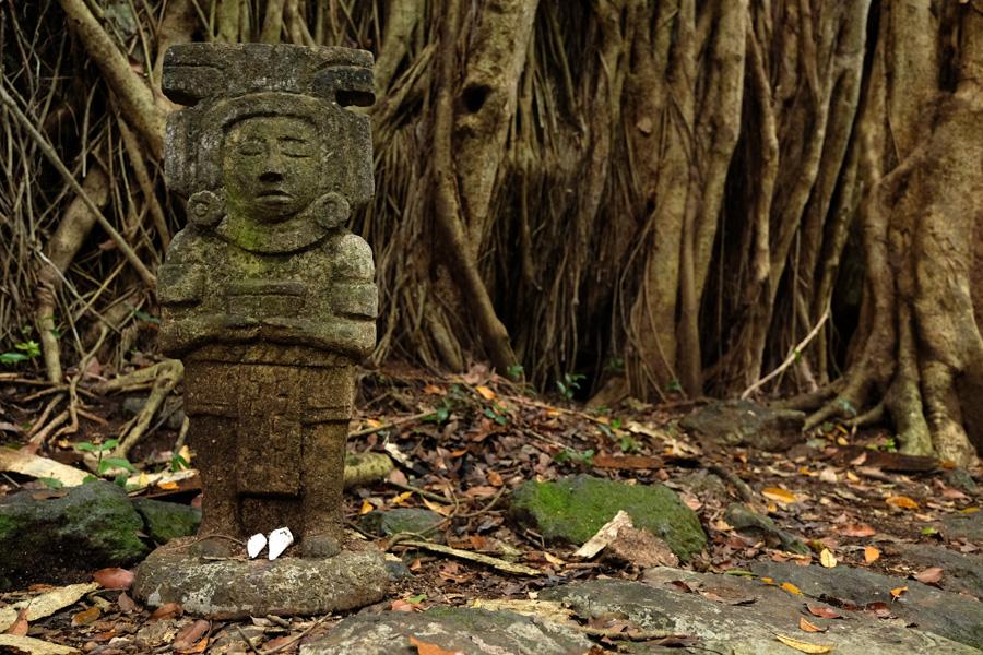 Nat Geo Expeditions Descubre Secretos Mayas - Mayan sculpture