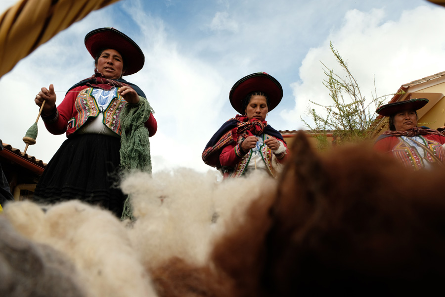 Splendors of the Inca Corporate Expedition - Women and wool