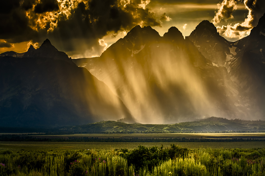 Yellowstone and the Grand Teton National Parks - Sunset and mountains, big contrast